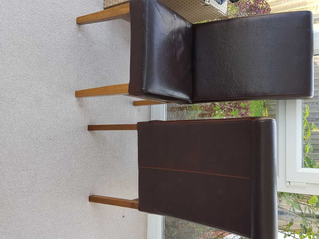 2 Dining room chairs free to take