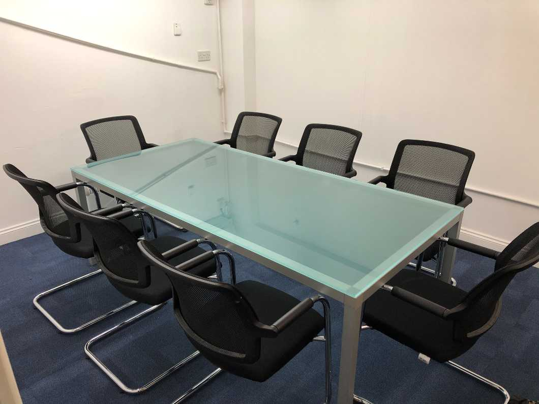 Stylish Glass Table & 8 x Executive Chairs