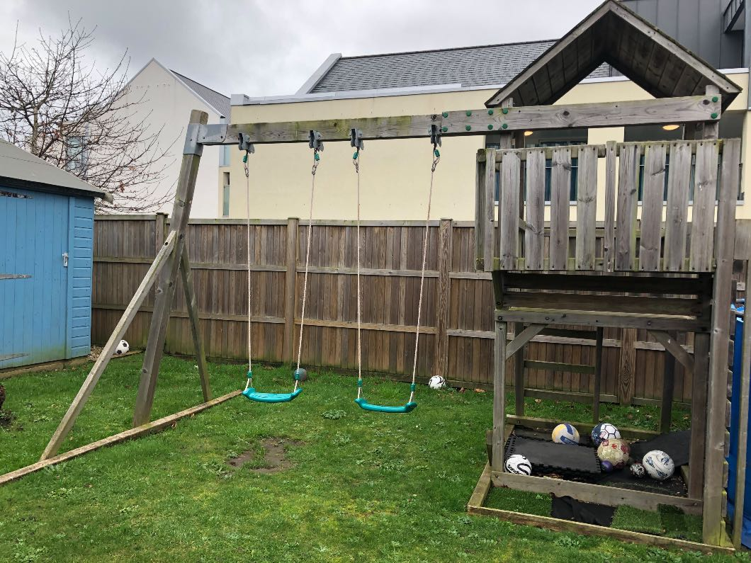 Wooden climbing frame (buyer to collect)