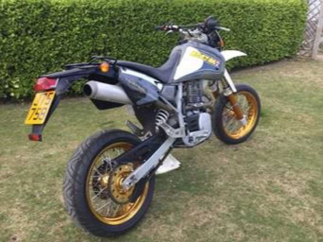 2000 CCM 640E  with very low mileage showroom condition