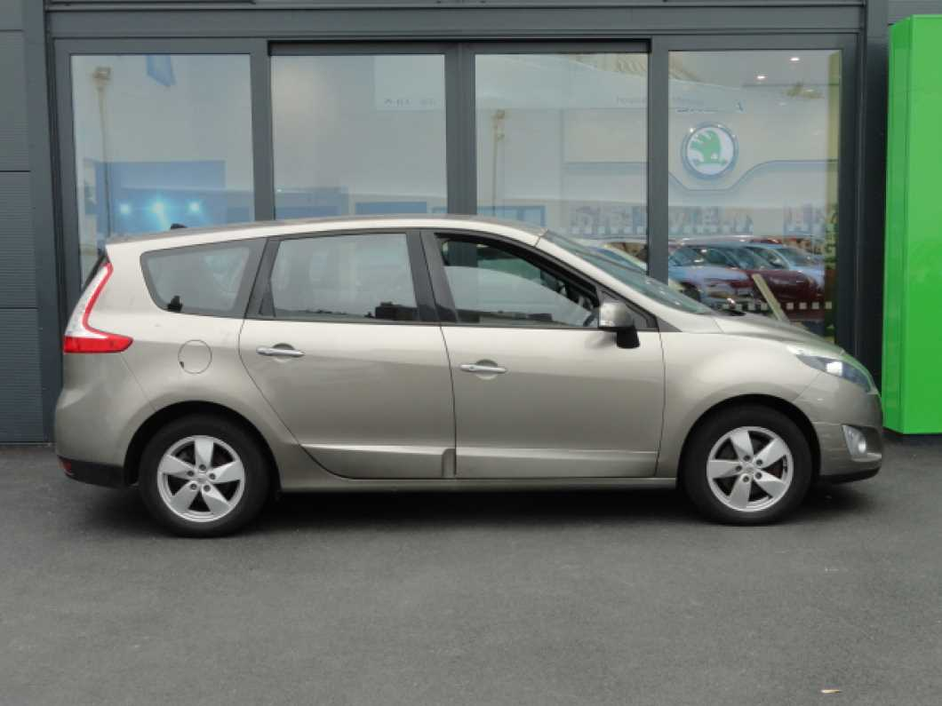 2010 Renault Grand Scenic Dynamique TomTom