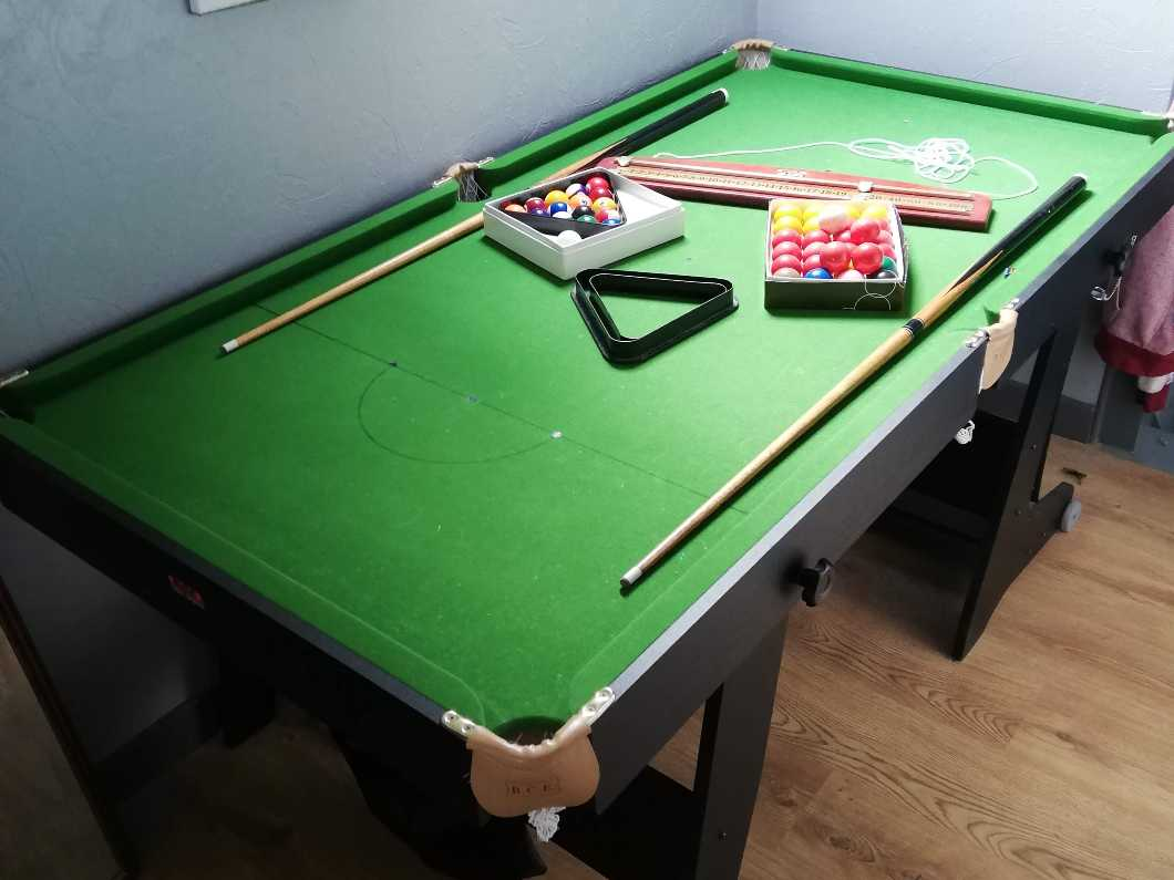 6ft Folding Pool/Snooker Table
